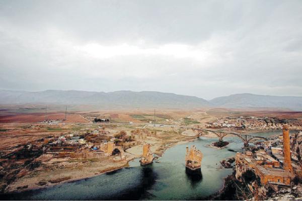 تجارت- فردا-  شهر تاریخی حصنکیفا که با تکمیل فرآیند ساخت سد ایلیسو زیر آب خواهد رفت.
