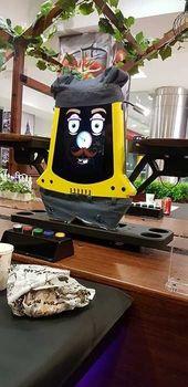 ربوشف پلاس رستوران رباتیک در تهران