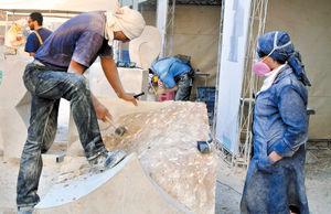 مجسمههای سنگی پای برج میلاد جان گرفتند